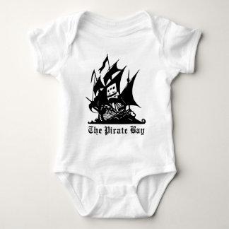 el logotipo del barco pirata de la bahía del polera