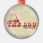 El Lou St. Louis representa Adorno Redondo Plateado