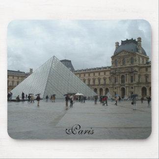 El Louvre, París Alfombrilla De Ratón