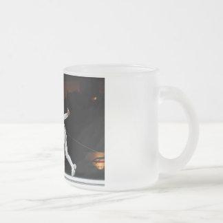 El luchar moderno de la espada de cercado dual taza de café