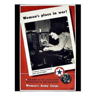 El lugar de las mujeres en guerra tarjeta postal