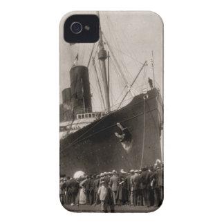 El Lusitania del RMS llega New York City 1907 iPhone 4 Funda