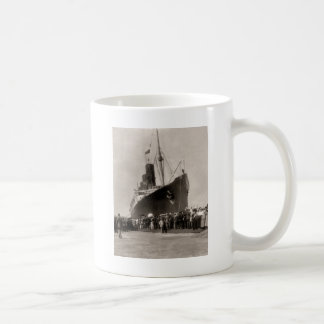 El Lusitania del RMS llega New York City 1907 Tazas De Café