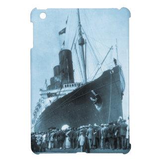 El Lusitania llega en el vintage de Nueva York iPad Mini Protector