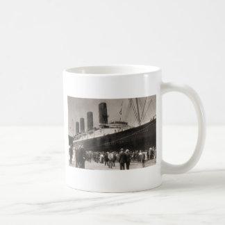 El Lusitania llega New York City 1907 Taza De Café