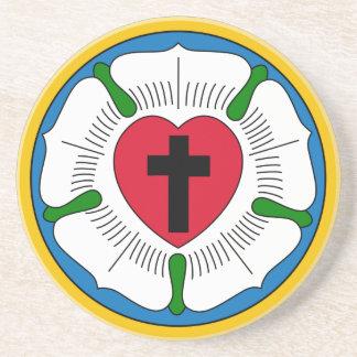 El Lutheranism Martin Luther del rosa de Luther Posavasos Diseño