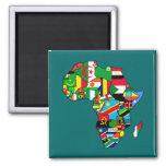 El mapa africano de las banderas de África dentro  Imán Cuadrado