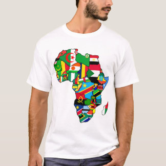 El mapa africano de las banderas de África dentro Playera