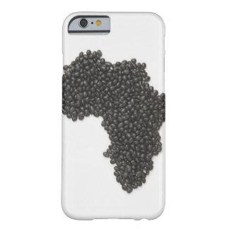 El mapa de África hizo de alubias negras Funda De iPhone 6 Barely There