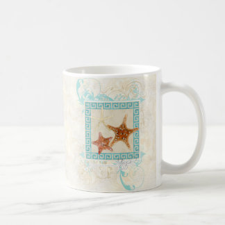 El mar de las estrellas de mar descasca la playa taza básica blanca
