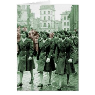 El marchar afroamericano de las mujeres tarjeta de felicitación