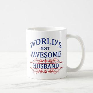 El marido más impresionante del mundo taza básica blanca