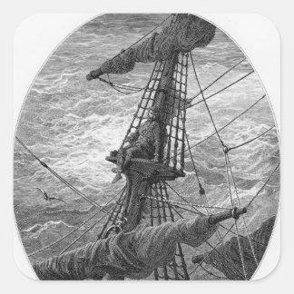 El marino encima del palo durante una tormenta pegatina cuadrada