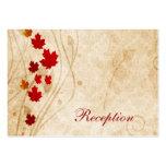 el marrón del otoño de la caída deja tarjetas de l tarjeta de visita