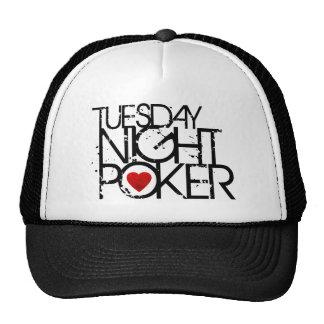 El martes por la noche póker gorros