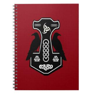 El martillo del Thor céltico pagano con los Spiral Notebook