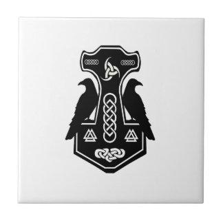 El martillo del Thor céltico pagano de los Azulejo Cuadrado Pequeño