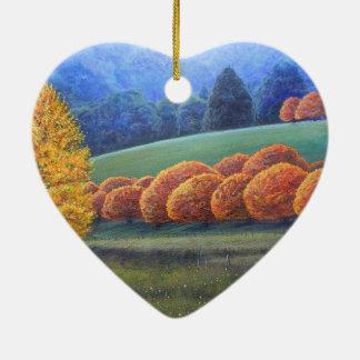 El marzo de los árboles de roble brillantes adorno navideño de cerámica en forma de corazón