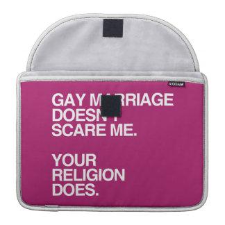 EL MATRIMONIO HOMOSEXUAL NO ME ASUSTA - .PNG FUNDAS PARA MACBOOK PRO
