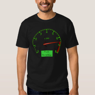 El máximo revs la camiseta para hombre del coche playera