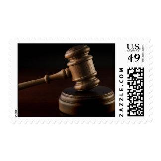 El mazo del juez de madera estampillas