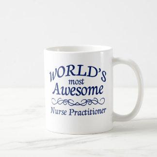 El médico más impresionante de la enfermera del taza