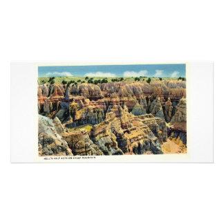 El medio acre del infierno en la montaña de las ov tarjetas con fotos personalizadas