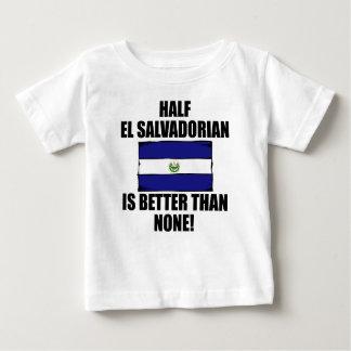 El medio EL salvadoreño es mejor que ninguno Tee Shirts