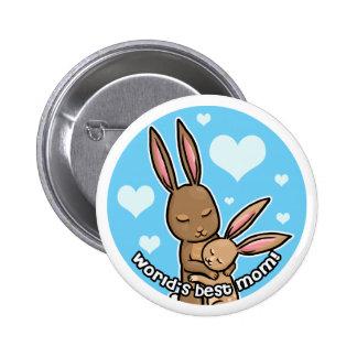 El mejor botón del conejito de la mamá de los mund pin redondo de 2 pulgadas
