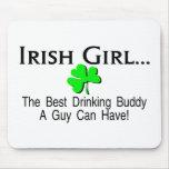 El mejor compinche de consumición del chica irland alfombrilla de raton