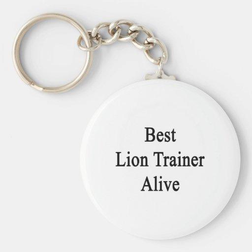 El mejor instructor del león vivo llavero