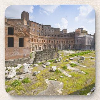 El mercado de Trajan (latín: Mercatus Traiani, 2 Posavasos