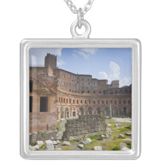 El mercado de Trajan (latín: Mercatus Traiani, Collar Plateado
