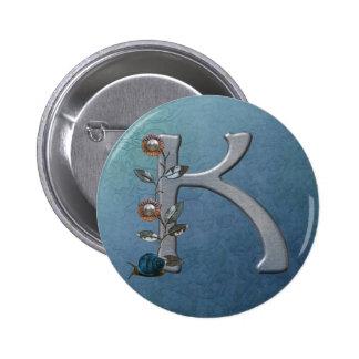 El metal florece el monograma K Pin