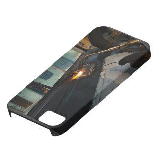 El metal temático, un hombre suelda con autógena iPhone 5 funda