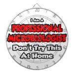 El microbiólogo profesional… no intenta tabla dardos