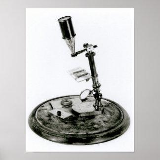 El microscopio de Darwin Poster