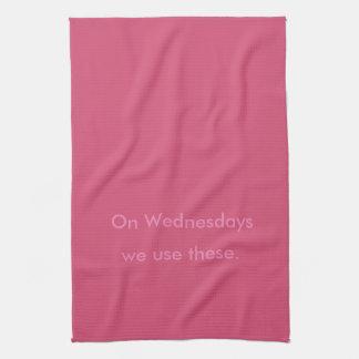 El miércoles - toalla de cocina rosada