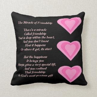 El milagro de la almohada del poema de la amistad