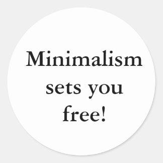 ¡El Minimalism le fija libre! pegatina