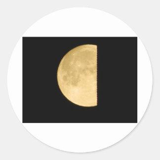 El mirar a escondidas de la Luna Llena Pegatina Redonda