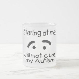 El mirar fijamente mí no curará mi autismo (la taza de café esmerilada