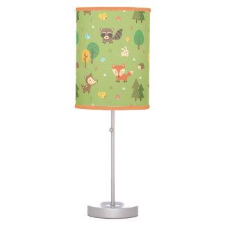 El modelo animal del arbolado del bosque embroma lámpara de mesilla de noche