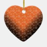 El modelo de la calabaza en negro anaranjado se ornatos