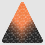 El modelo de la calabaza en negro anaranjado se calcomanías trianguladas