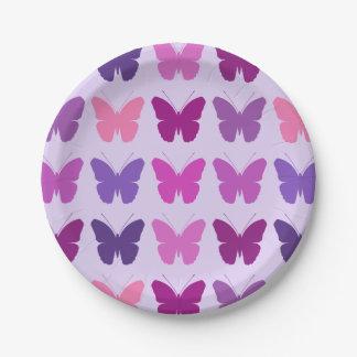 El modelo de mariposa pica la lila de las colores platos de papel