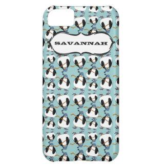 El modelo lindo del pingüino del hockey elige funda para iPhone 5C