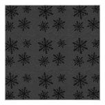El modelo oscuro 2 del copo de nieve invita invitación 13,3 cm x 13,3cm