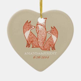 El moho rojo y la marfil Foxes aniversario Ornamento Para Reyes Magos