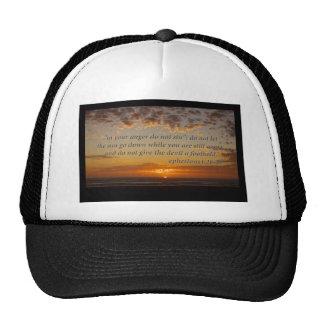 el momento pasado de la puesta del sol con el 4:26 gorras